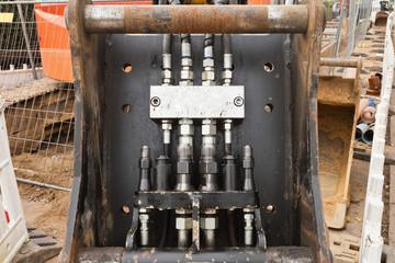 Hydraulikleitungen - Anschlüsse und Verbindungen