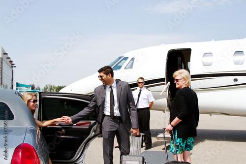 Leinwanddruck Bild Diva arrives at private jet