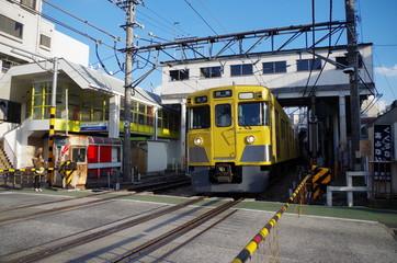 西武新宿線の踏切