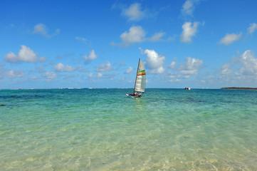 catamaran sur l'océan indien