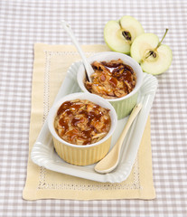 flan with apples