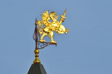 Грифон на шпиле Палат бояр Романовых
