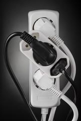 Strom Multistecker Deutsch schwarz weiß