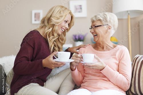 Grandma is my the best friend - 73670772