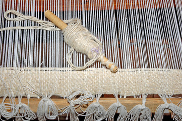 Horizontal handlooms, blanket segment of folk tunes