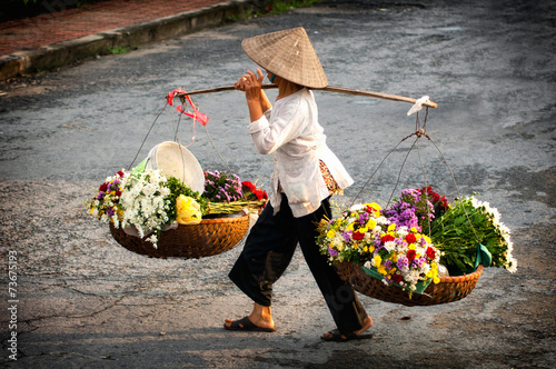 Deurstickers Overige Life of florist vendor at small market in HANOI,vietnam