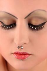Gesicht mit Nasenring