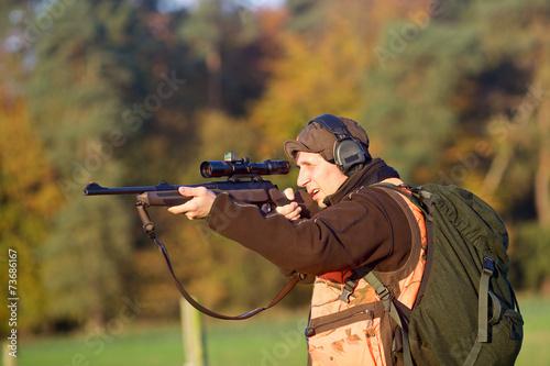 Jäger mit Rucksack