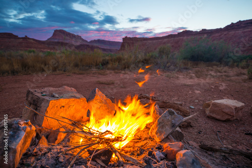 Foto op Plexiglas Canyon Bonfire after Sunset Camping in Utah
