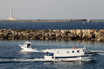 Gallipoli-Italia   Motoscafo incontra peschereccio