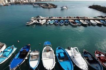 Gallipoli-Italia  Barche con peschereccio