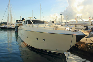 High performance motor boat