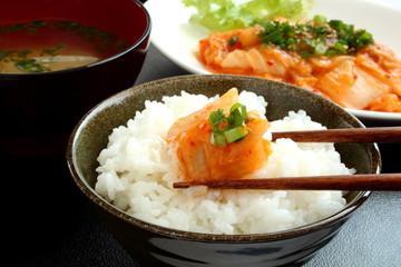 キムチ 米 味噌汁
