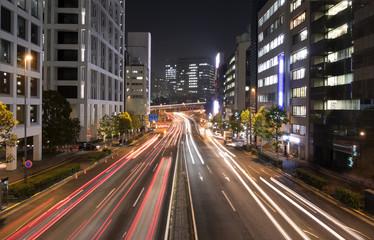 大都市東京 夜の幹線道路イメージ 自動車の光跡  赤坂見附