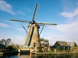Windmill in kinderdijk park in netherlands