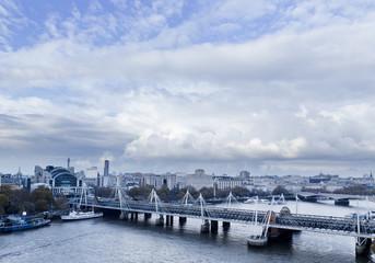 London Panorama mit Themse