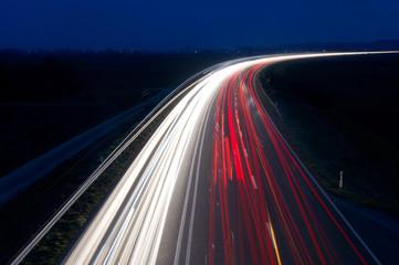 Lichtspuren von Bundesstraße, Verkehr