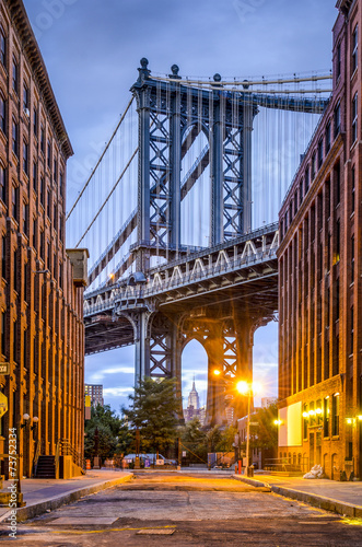 Manhattan Bridge seen from Brooklyn, New York City. - 73752334