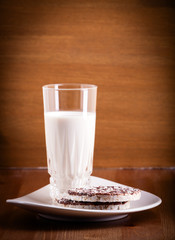 Puffed rice cookies and milk