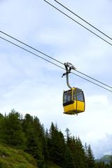 Gondelbahn in den Alpen
