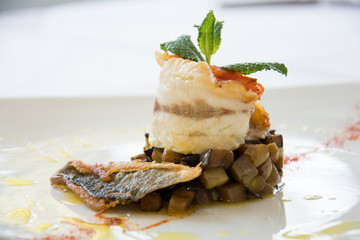 Fish with pepper and mint
