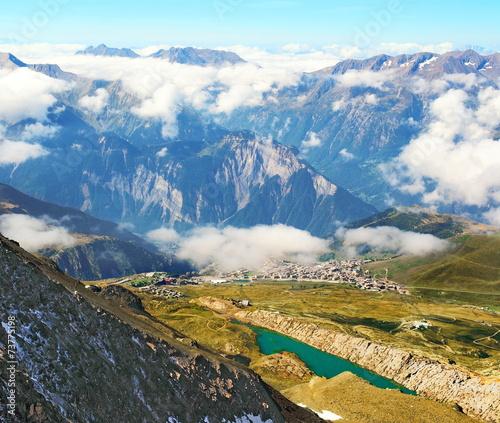 Alpe d' Huez en Oisans © lamax