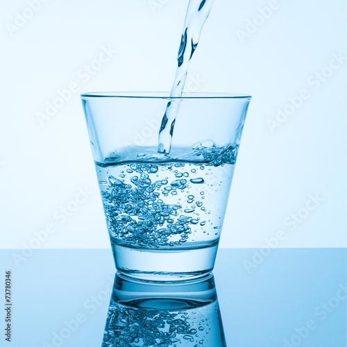 canvas print picture Sauberes Leitungswasser