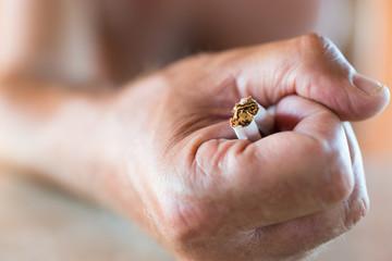 Spezzare dipendenza da fumo
