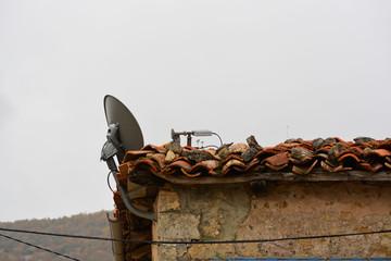 antena parabolica en un refugio de montaña