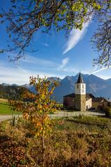 Chiesa in un paese di montagna