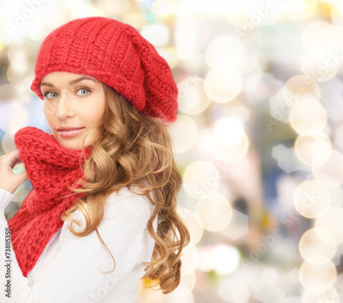 canvas print picture young woman in winter clothes