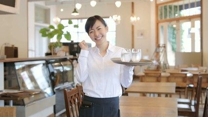 カフェ・レストラン・スタッフ