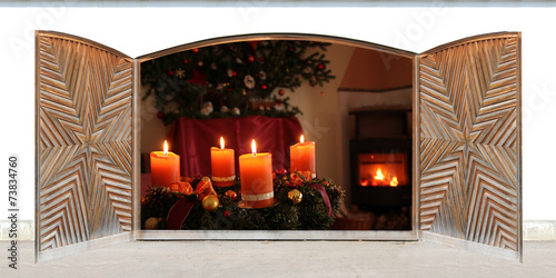 canvas print picture Weihnachtsfenster mit Kaminfeuer und Adventskranz