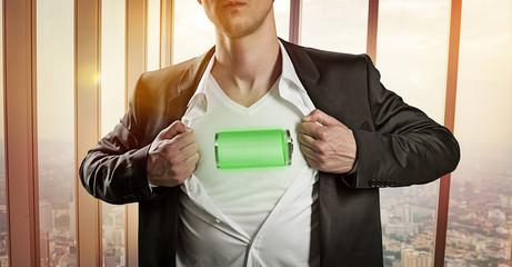 Energiegeladener Angestellter