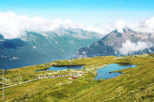 Lac Noir et lac Besson de l' Alpe d' Huez © lamax