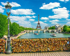 Pont des arts à Paris, France