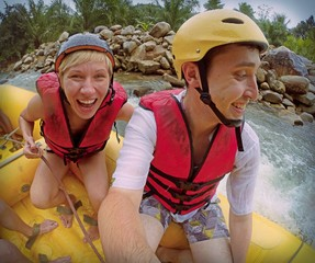 extreme date at rafting