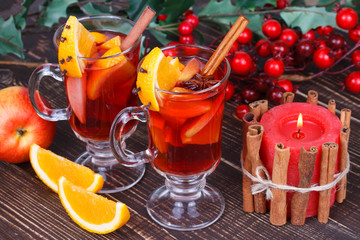 Mulled wine or fruit tea