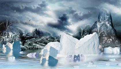 Eismeer mit Eisberge und Felsen