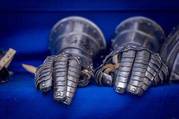 Gants d'armure médiévale