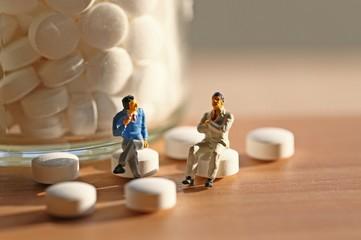 薬剤と二人の男