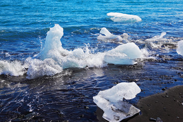 Floating ices on the beach