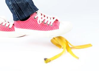 Shoe to slip