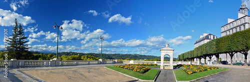Panorama of fountain place of Boulevard of Pyrenees in Pau - 73929301