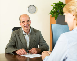 Client talking with notary