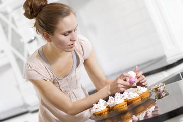 Woman make Muffins