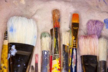many various artists brushes