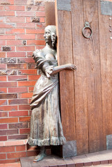 Bronze sculpture of the girl. Kaliningrad. Russia