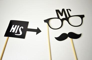 MR con bigote