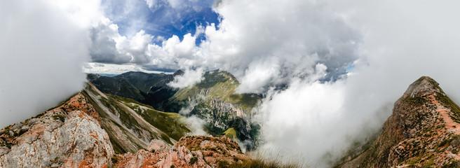 Panoramica monti sibillini dal Monte Sibilla